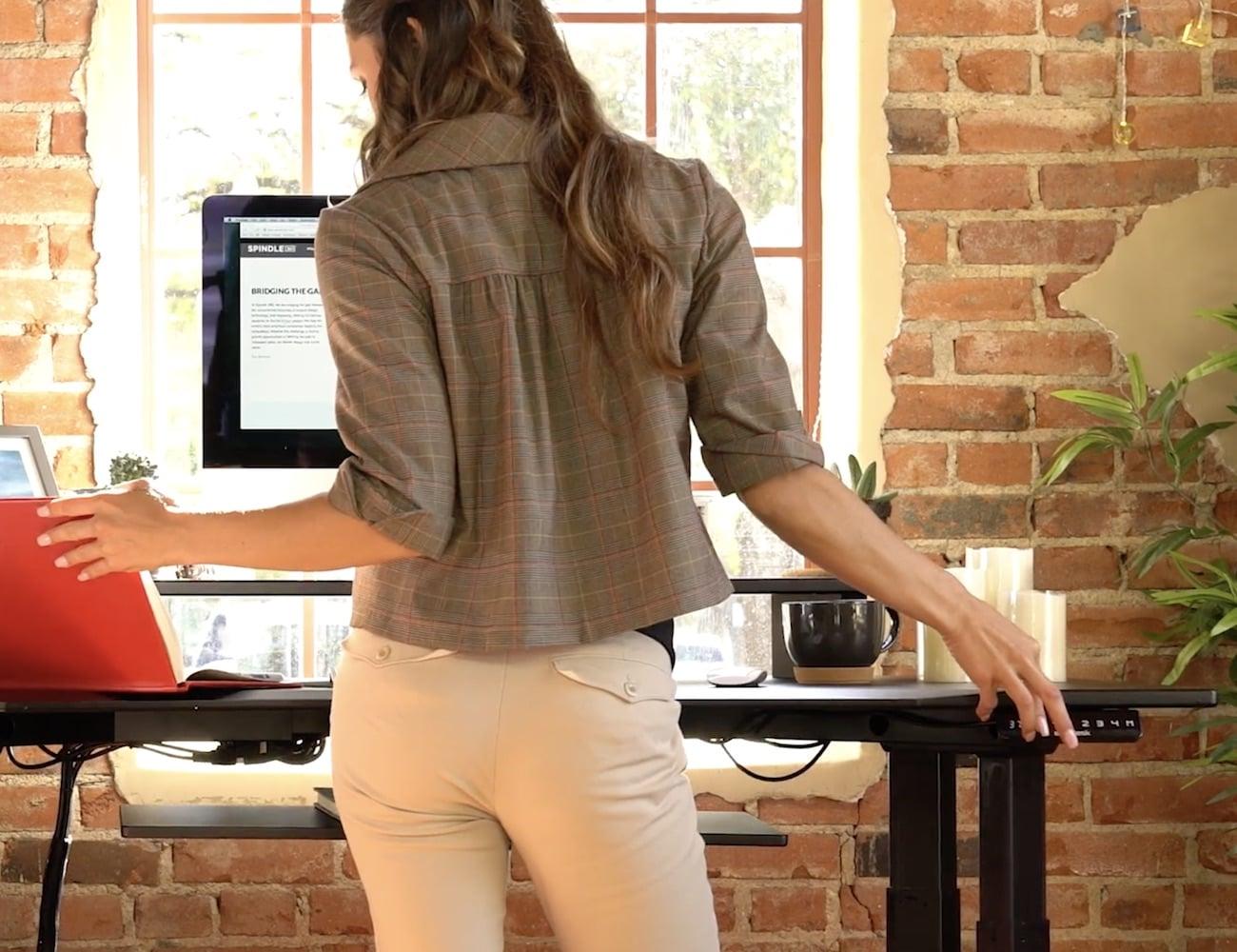 EvoDesk Electronic Height Adjustable Desk