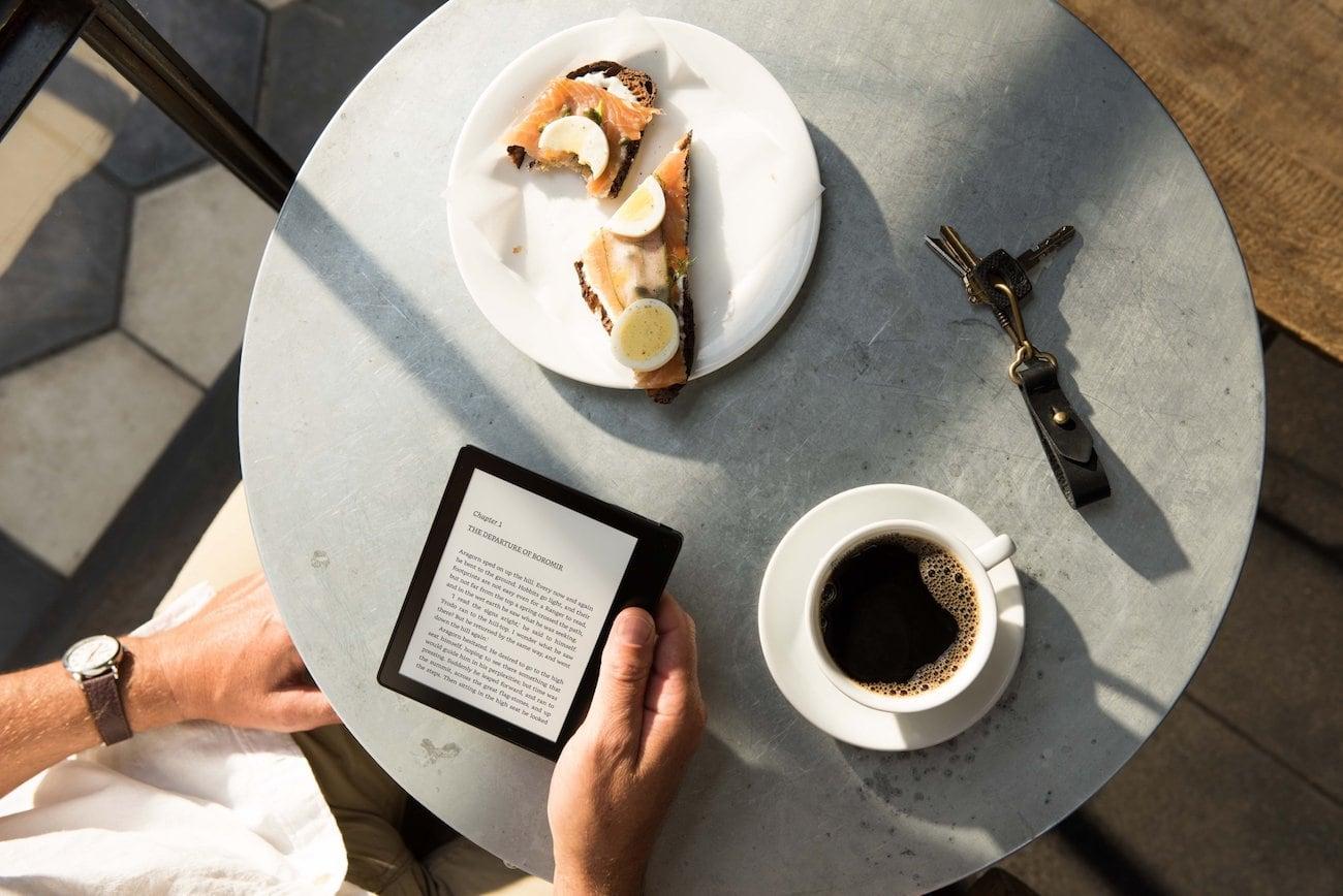Kindle Oasis Waterproof e-Reader loading=