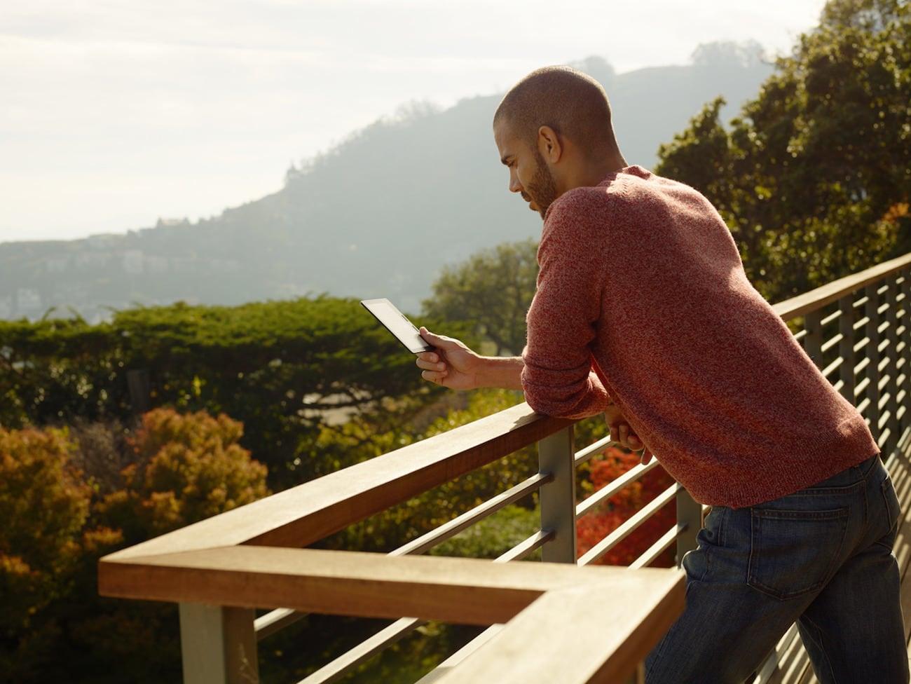 Kindle Oasis Waterproof e-Reader