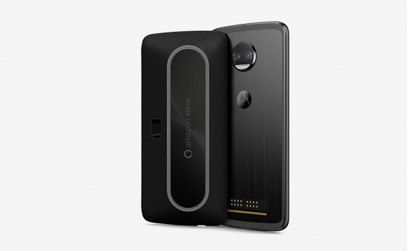 Moto Z Alexa Smart Speaker Mod