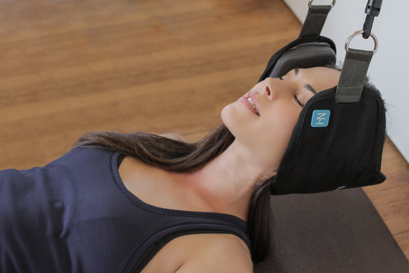 Neck Hammock Pain Relieving Device