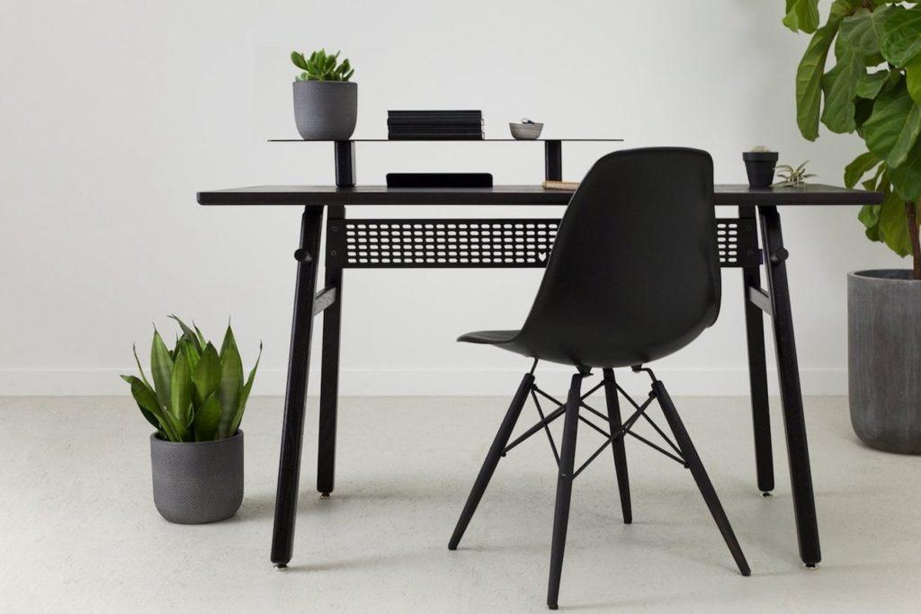 Artifox+Minimalist+Desk+02+Black+Edition