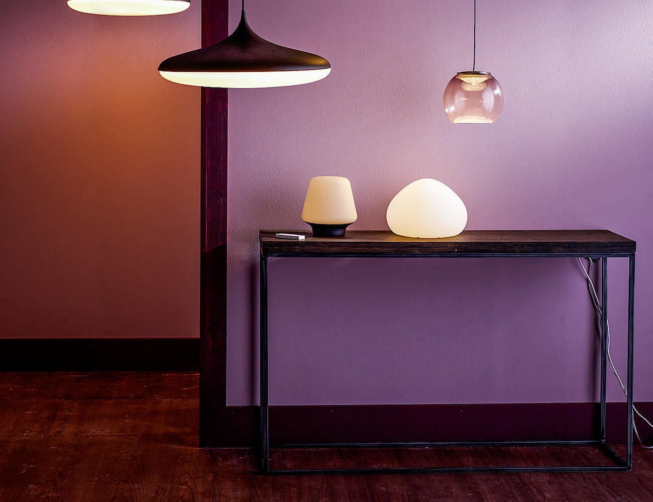 Philips hue wellner dimmable smart led table lamp gadget flow philips hue wellner dimmable smart led table lamp geotapseo Images