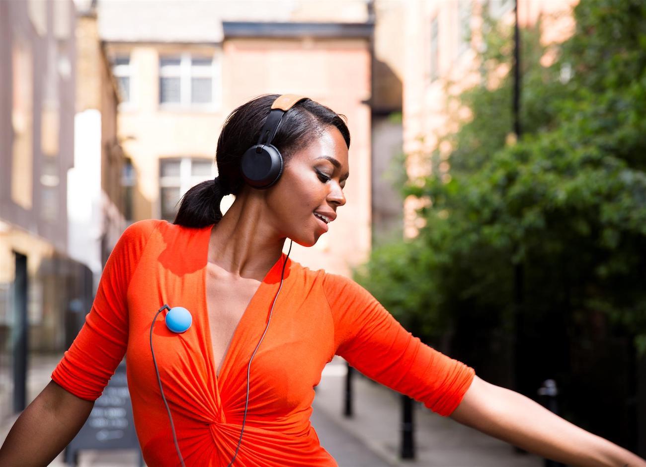 Poppins Social Listening Device
