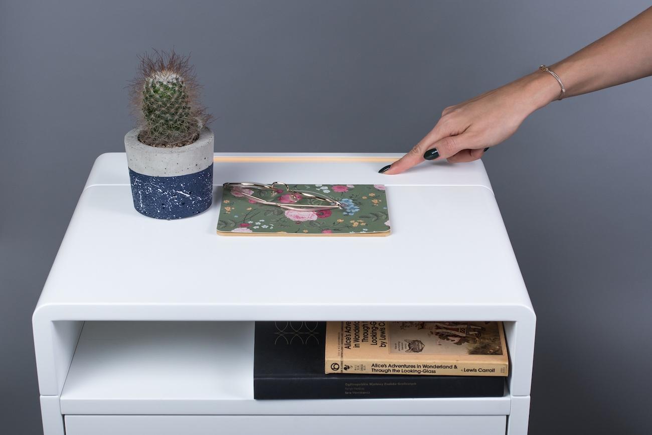 Smartables Minimalist Multimedia Table