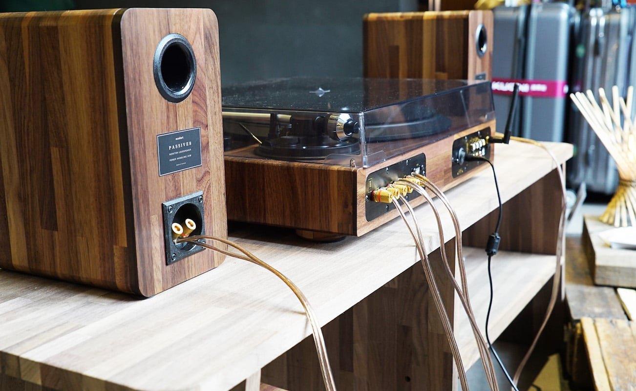 TT8 Wooden Multifunctional Turntable