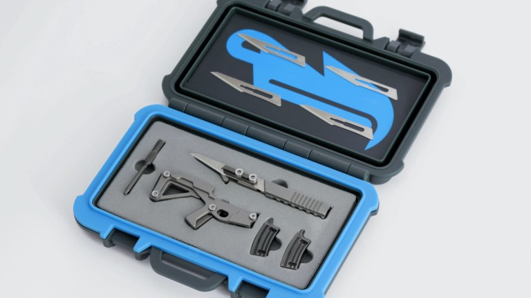 3COIL Puna Multitool with Action Case has a modern design with six built-in tools