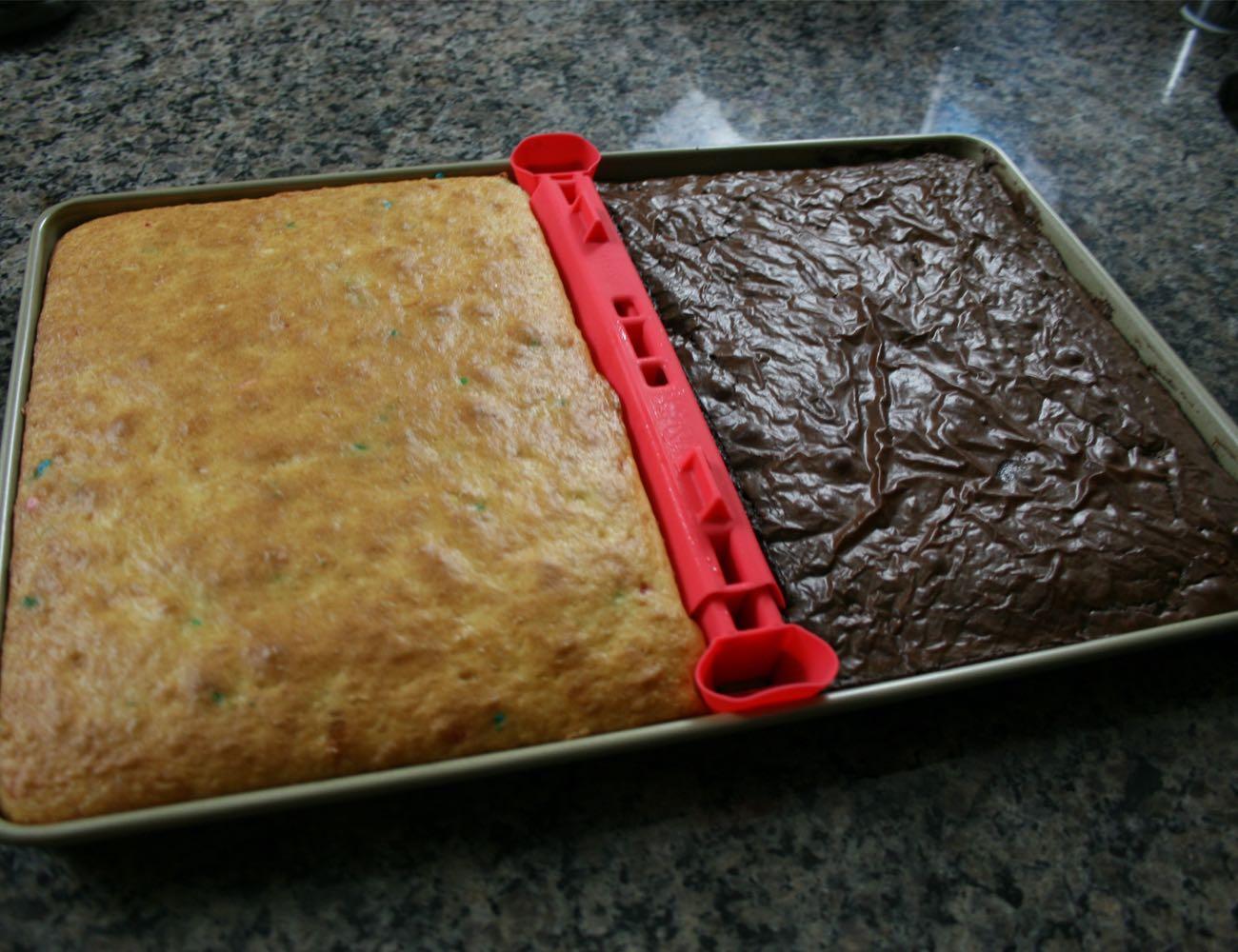 BakeSplit Baking Sheet Divider