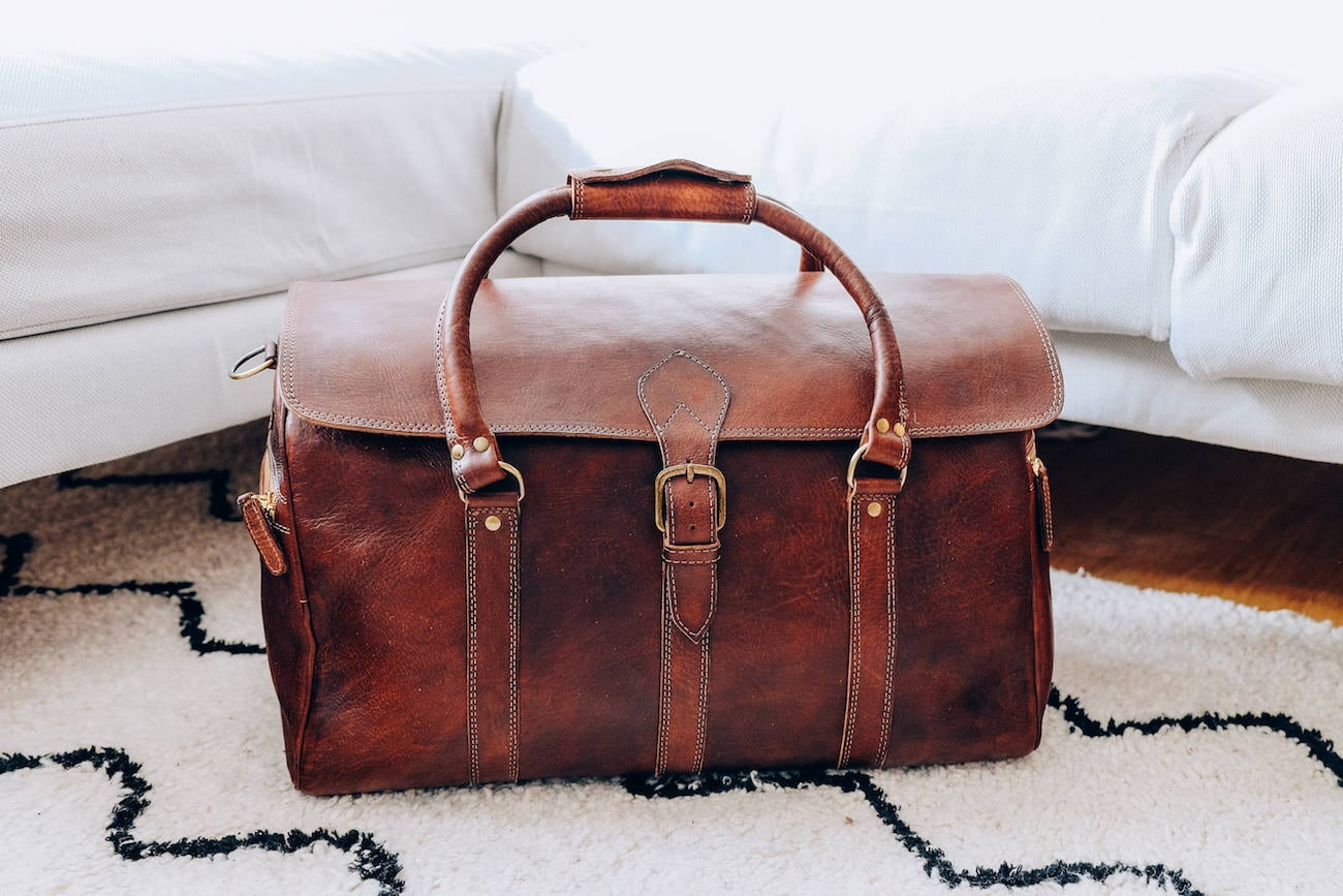 1dbbbb768 Benny Bee Handmade Leather Duffle Bag » Gadget Flow