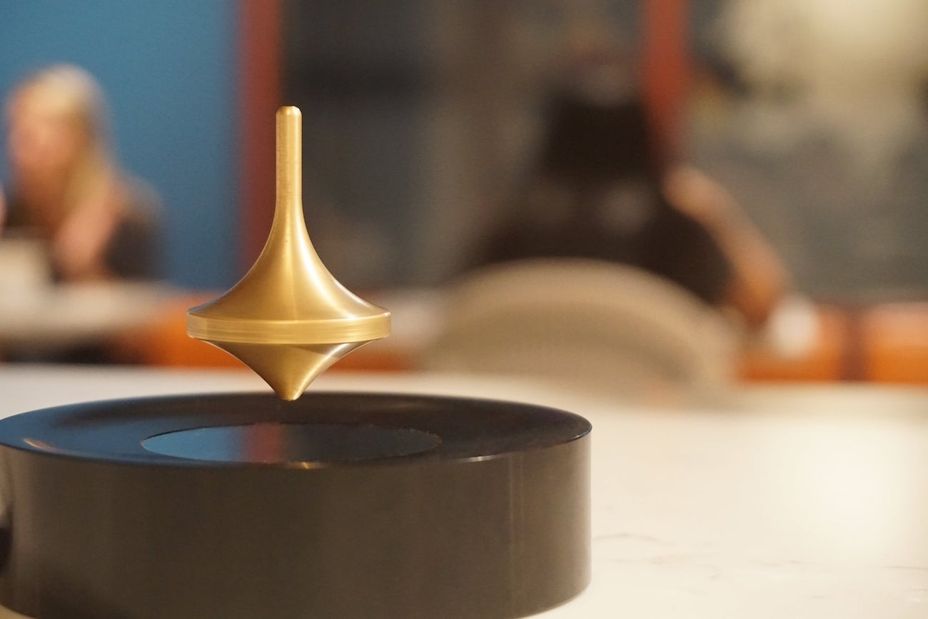 Infinity Levitating Spinning Top