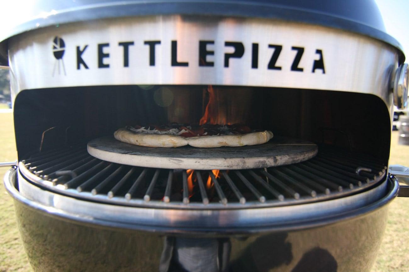 kettlepizza wood fired pizza oven kit gadget flow. Black Bedroom Furniture Sets. Home Design Ideas