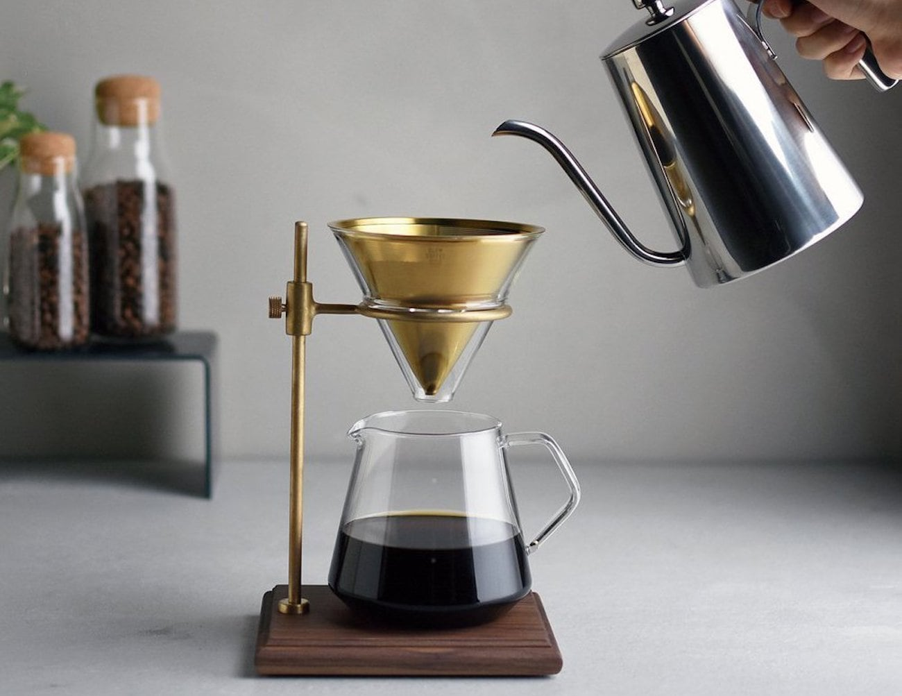 Kinto 5-Piece Coffee Brewer Stand Set helps you savor the brewing process