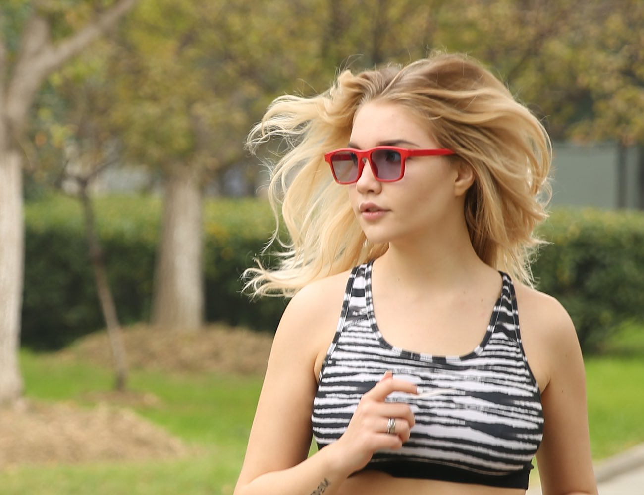 LET VisionAI Smart Glasses