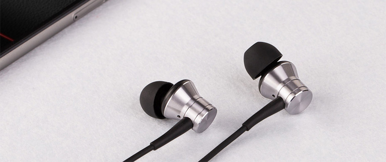 Oblique-Angled In-Ear Earbuds