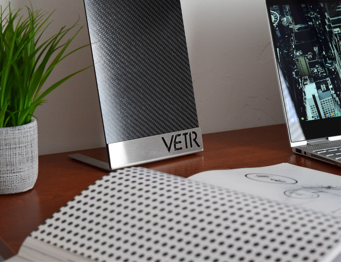 You Won't Believe Your Eyes When You See the Ultra-Slim VETR PANL1 Speakers