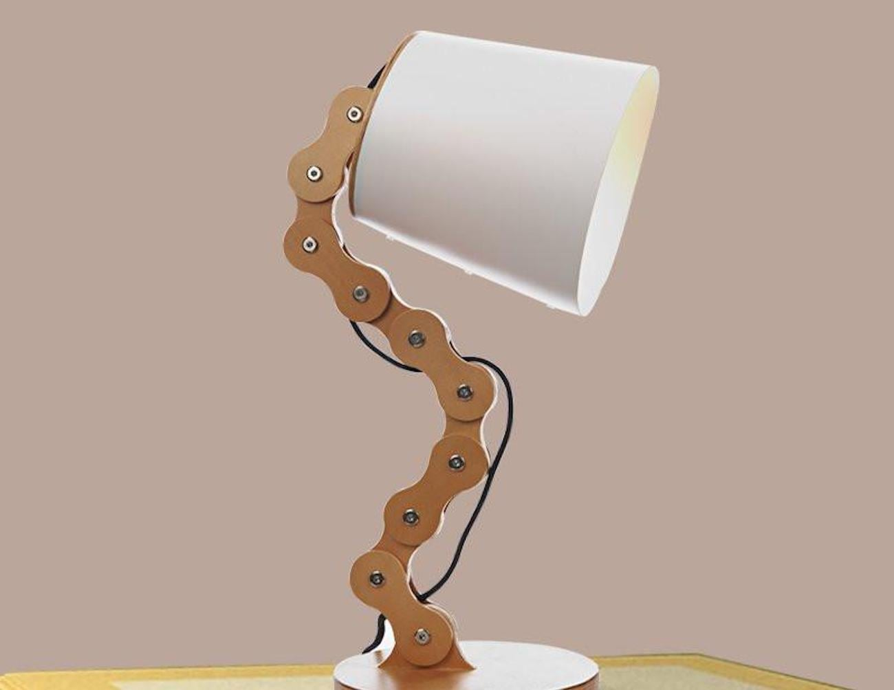 Wood Chain Table Lamp