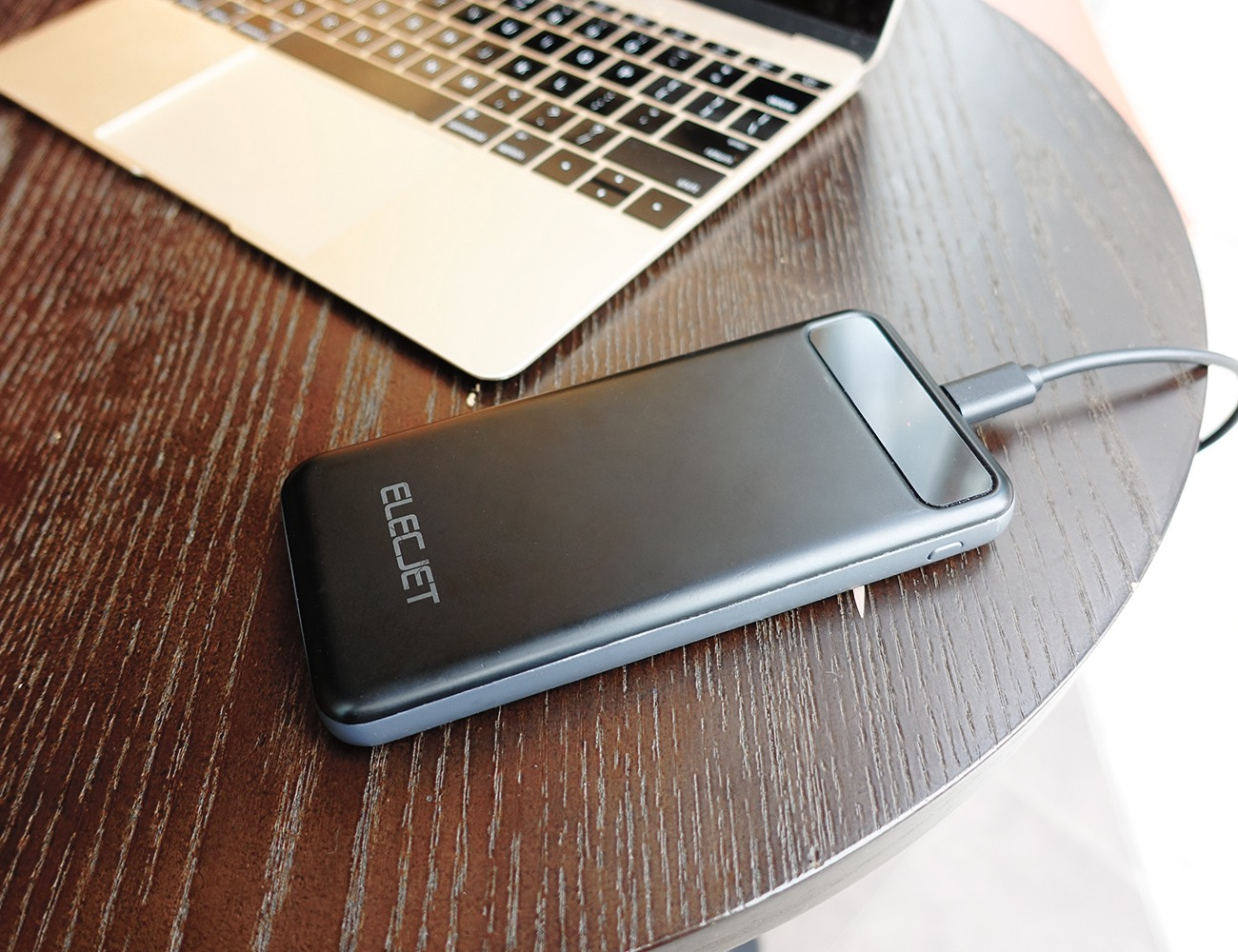 apollo ultra fast graphene power pack gadget flow. Black Bedroom Furniture Sets. Home Design Ideas