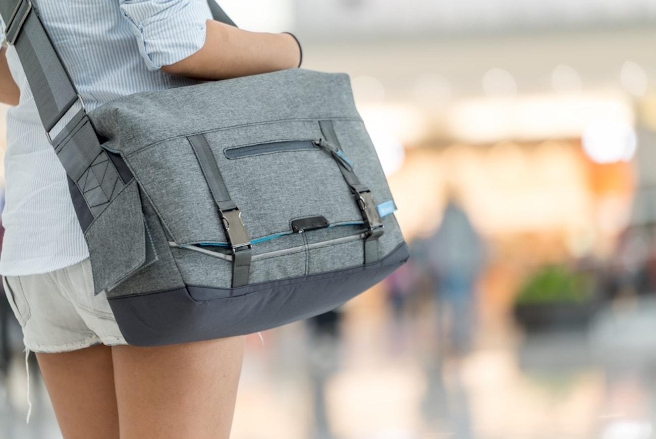 CabinR Electronic Anti-Theft Travel Bag