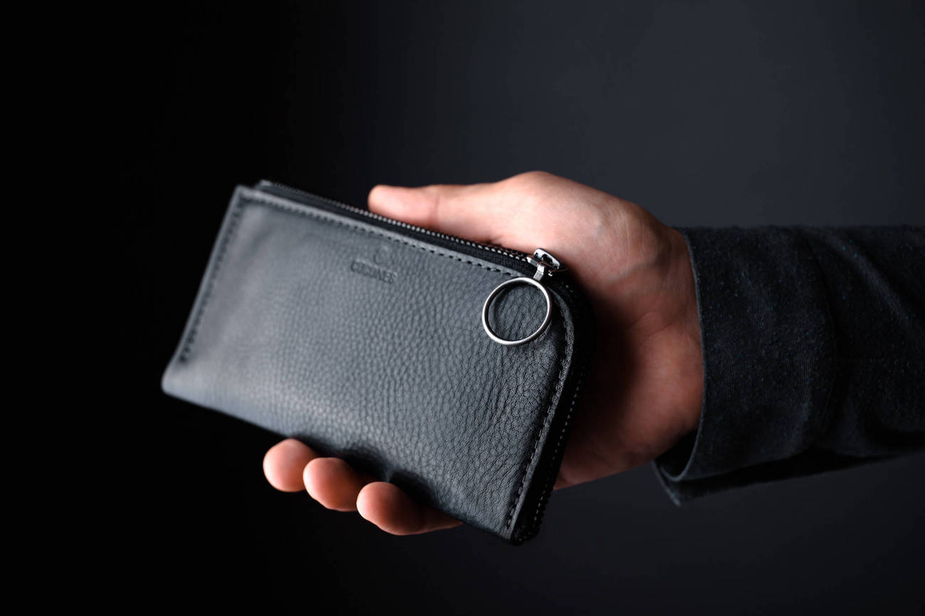 Form+Zip+Italian+Leather+Smartphone+Wallet