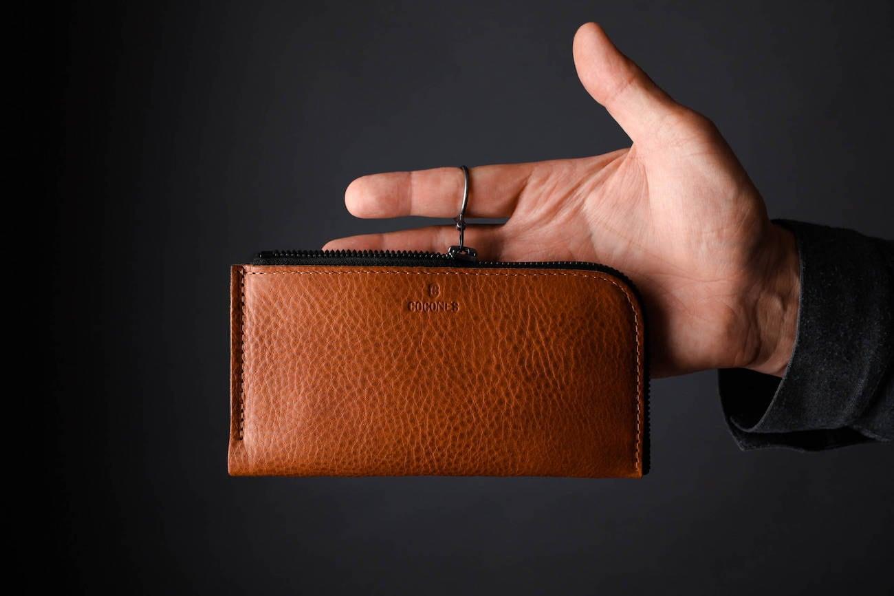 Form Zip Italian Leather Smartphone Wallet