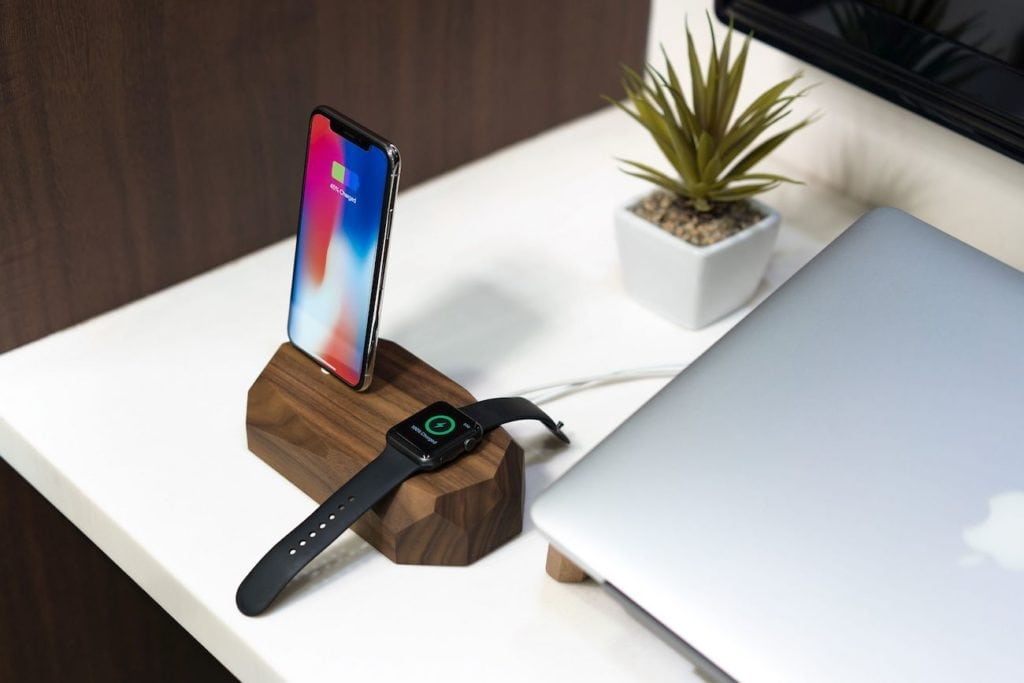 Combo+Dock+iPhone+and+Apple+Watch+Dock