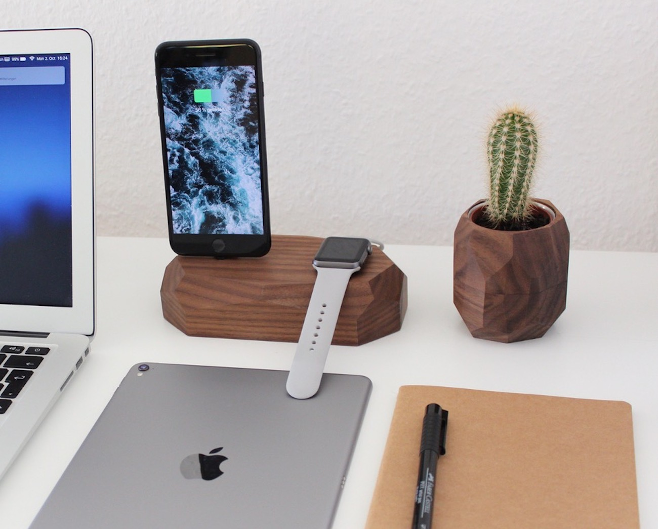 Combo Dock iPhone and Apple Watch Dock