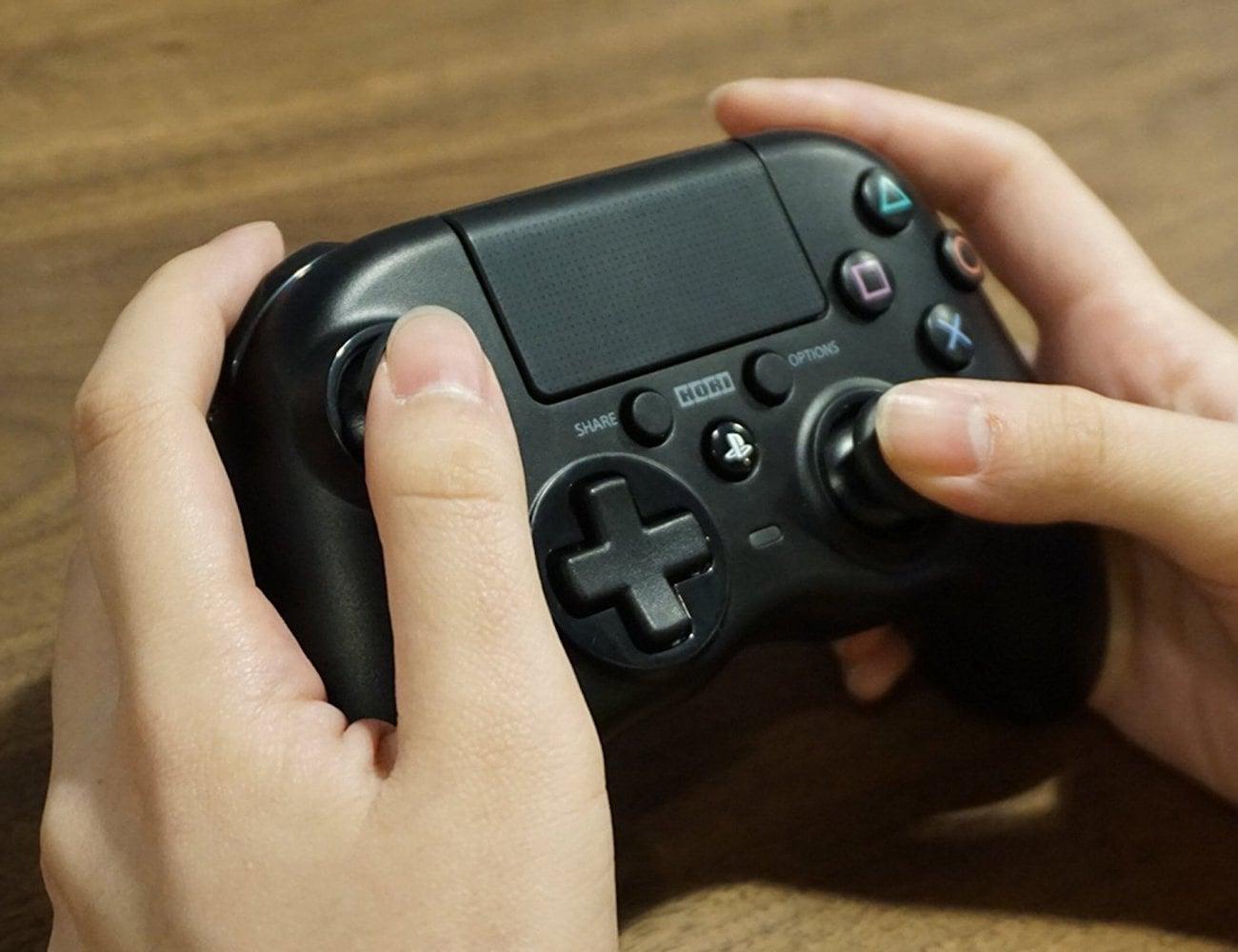 Hori Onyx Wireless PS4 Controller