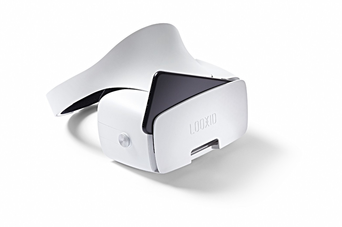 LOOXIDVR All-In-One Mobile VR Headset