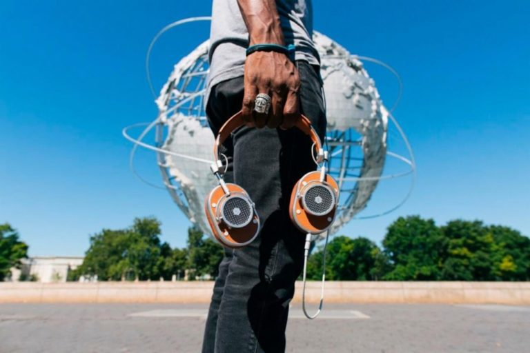Master+%26%23038%3B+Dynamic+MH40+Over-Ear+Headphones