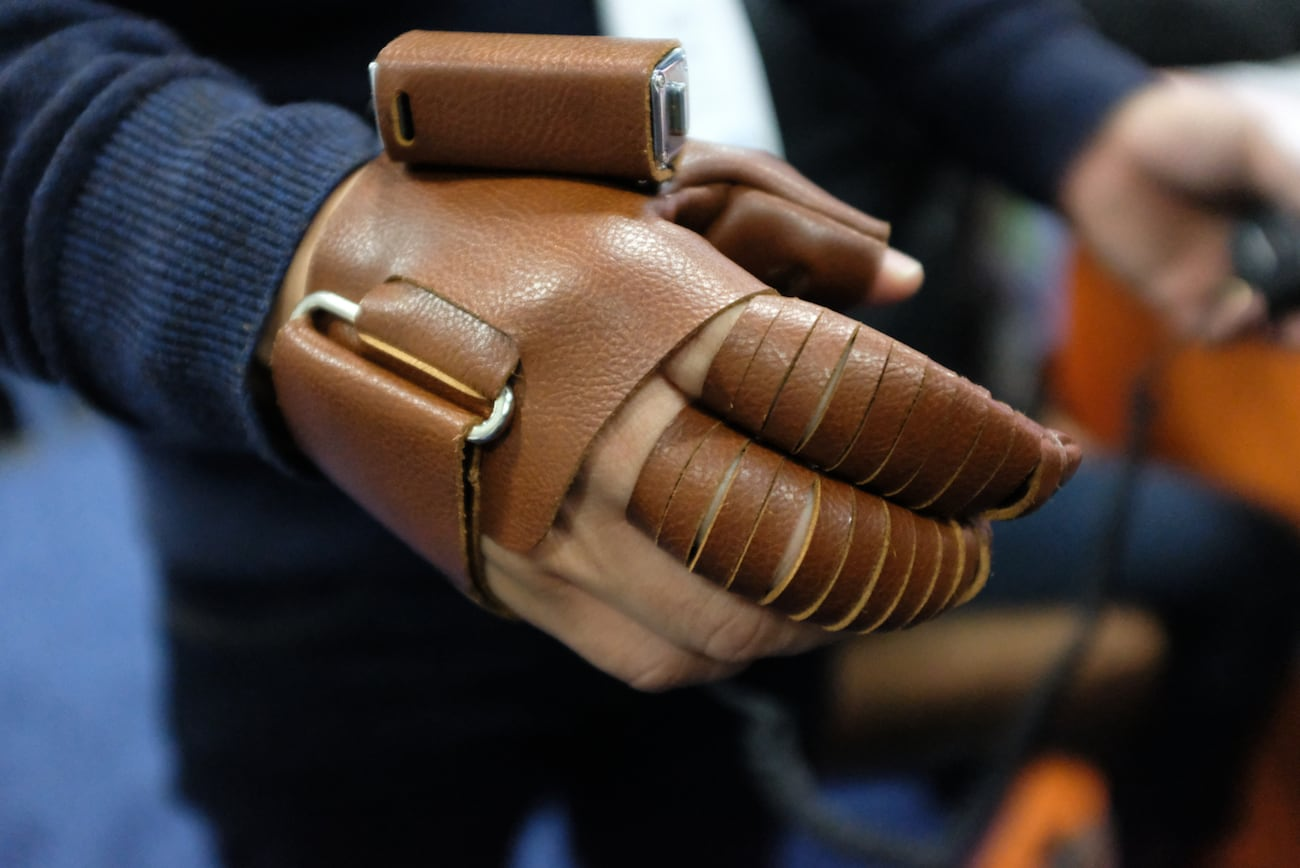 NeoMano Wearable Hand Robotic