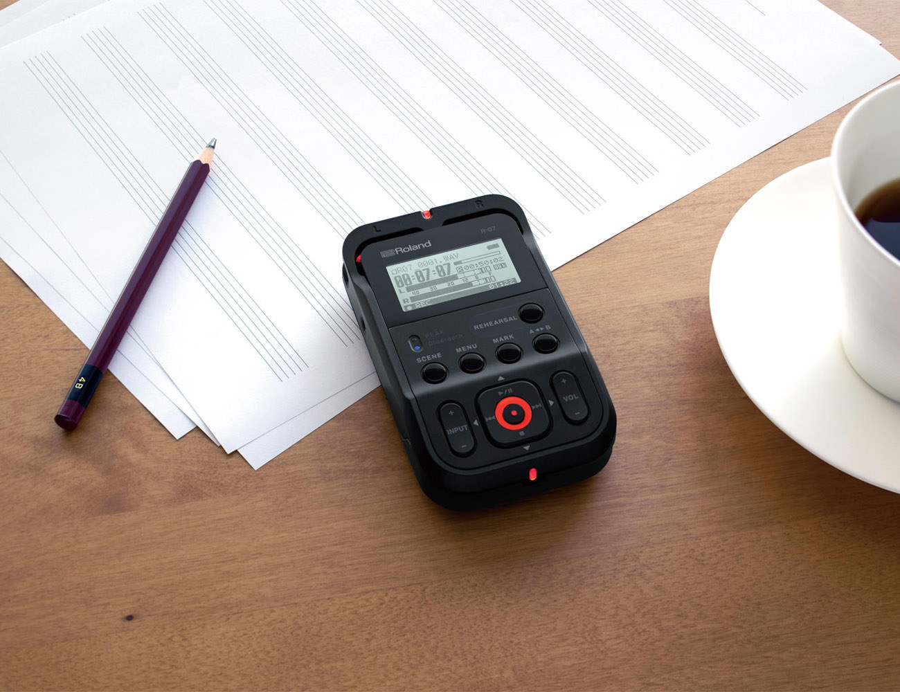 Roland R-07 High Resolution Audio Recorder