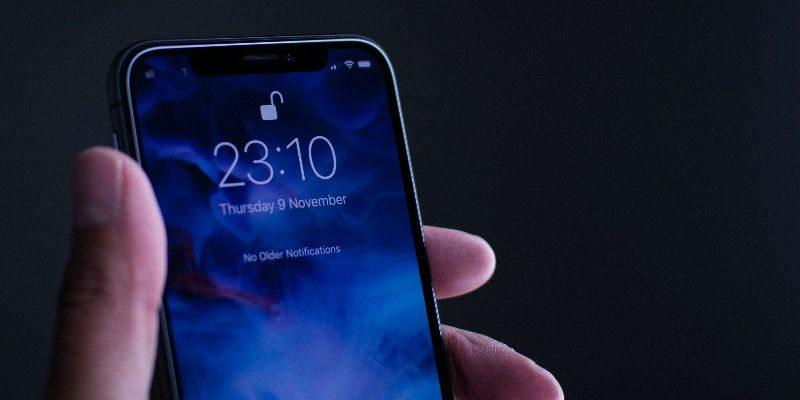 iPhone X lock screen