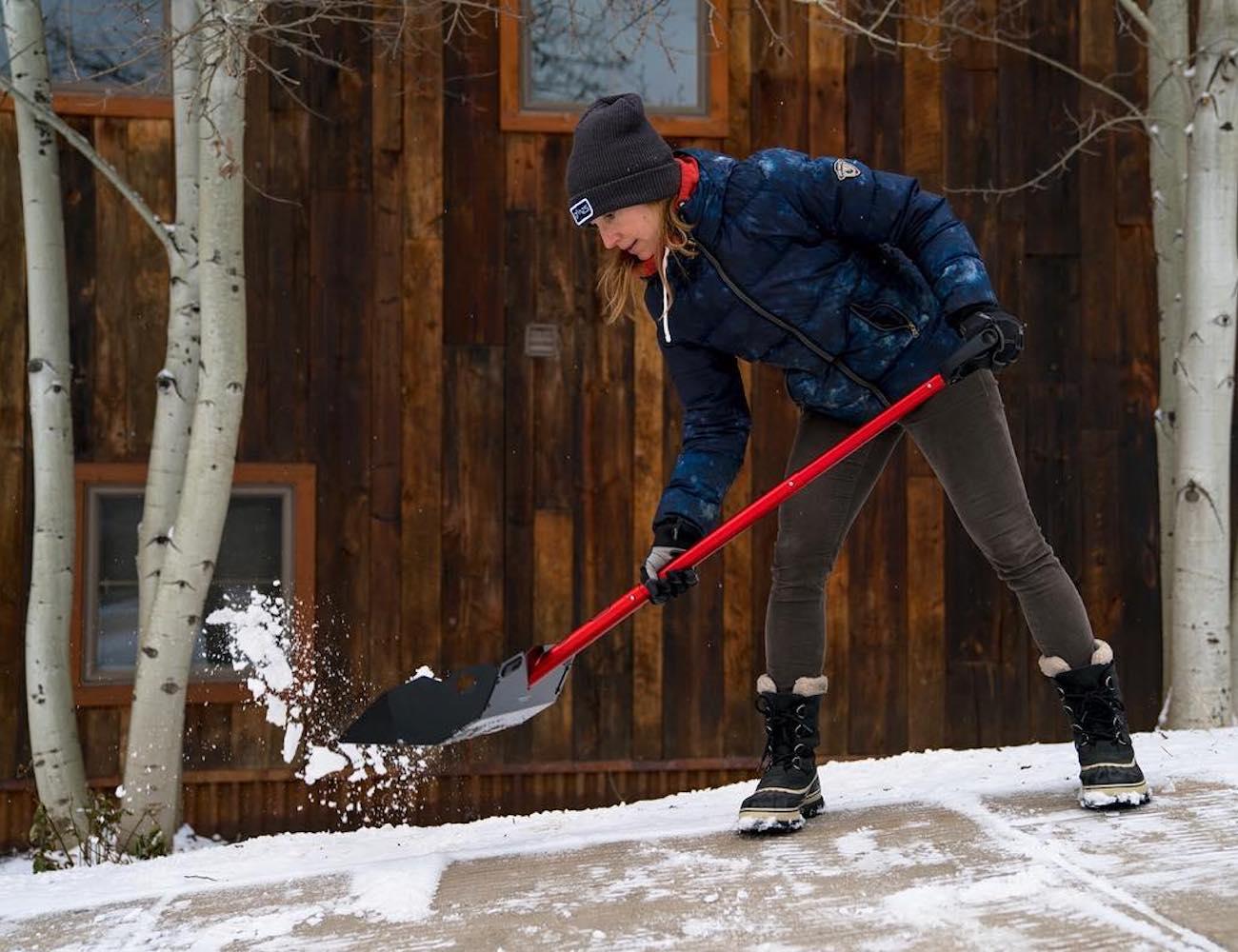 DMOS Alpha All-Terrain Dirt and Snow Shovel