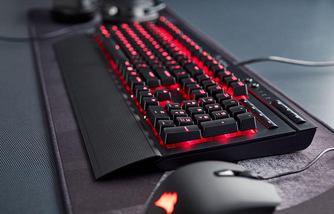 CORSAIR K68 Mechanical Gaming Keyboard loading=