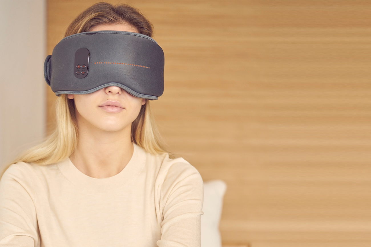 The Dreamlight mask helps you get a better sleep
