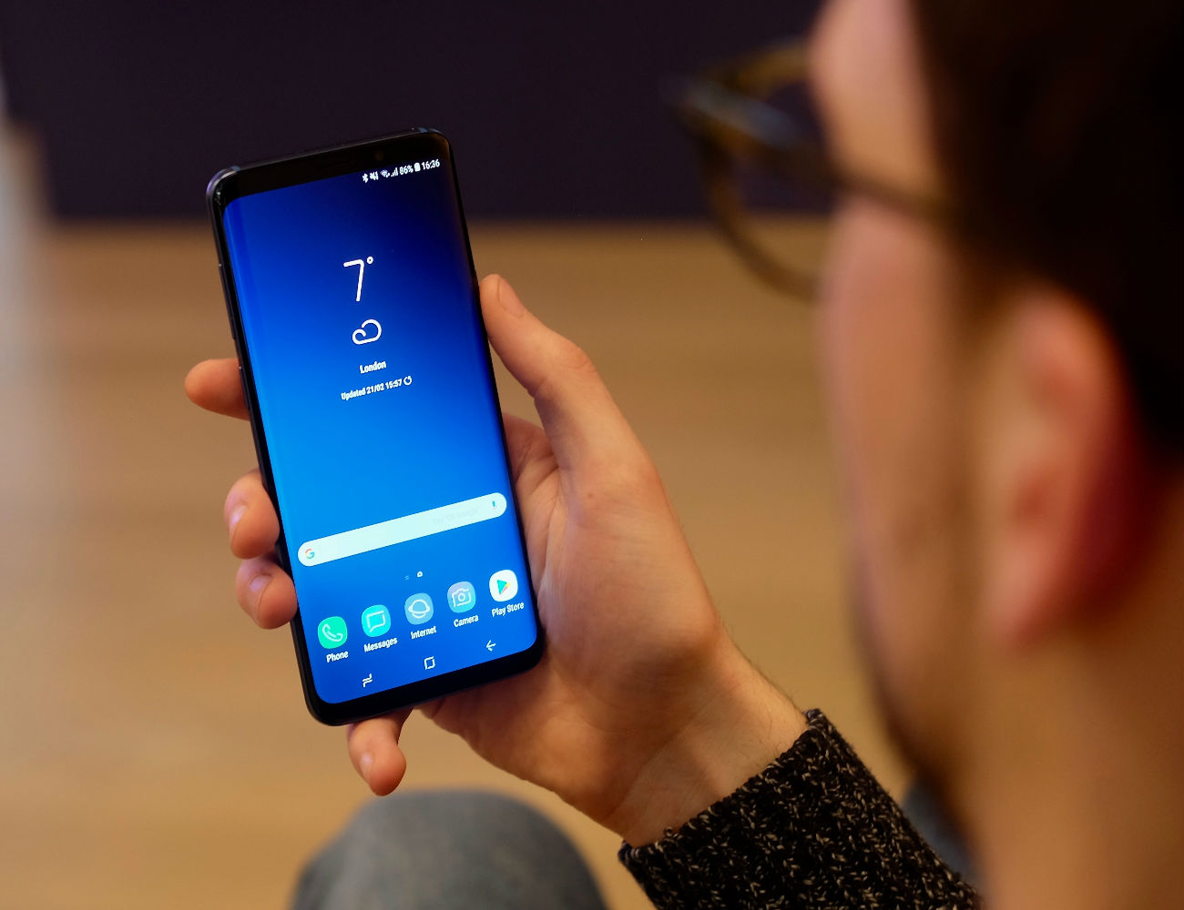 Samsung Galaxy S9 and S9 Plus Smartphone