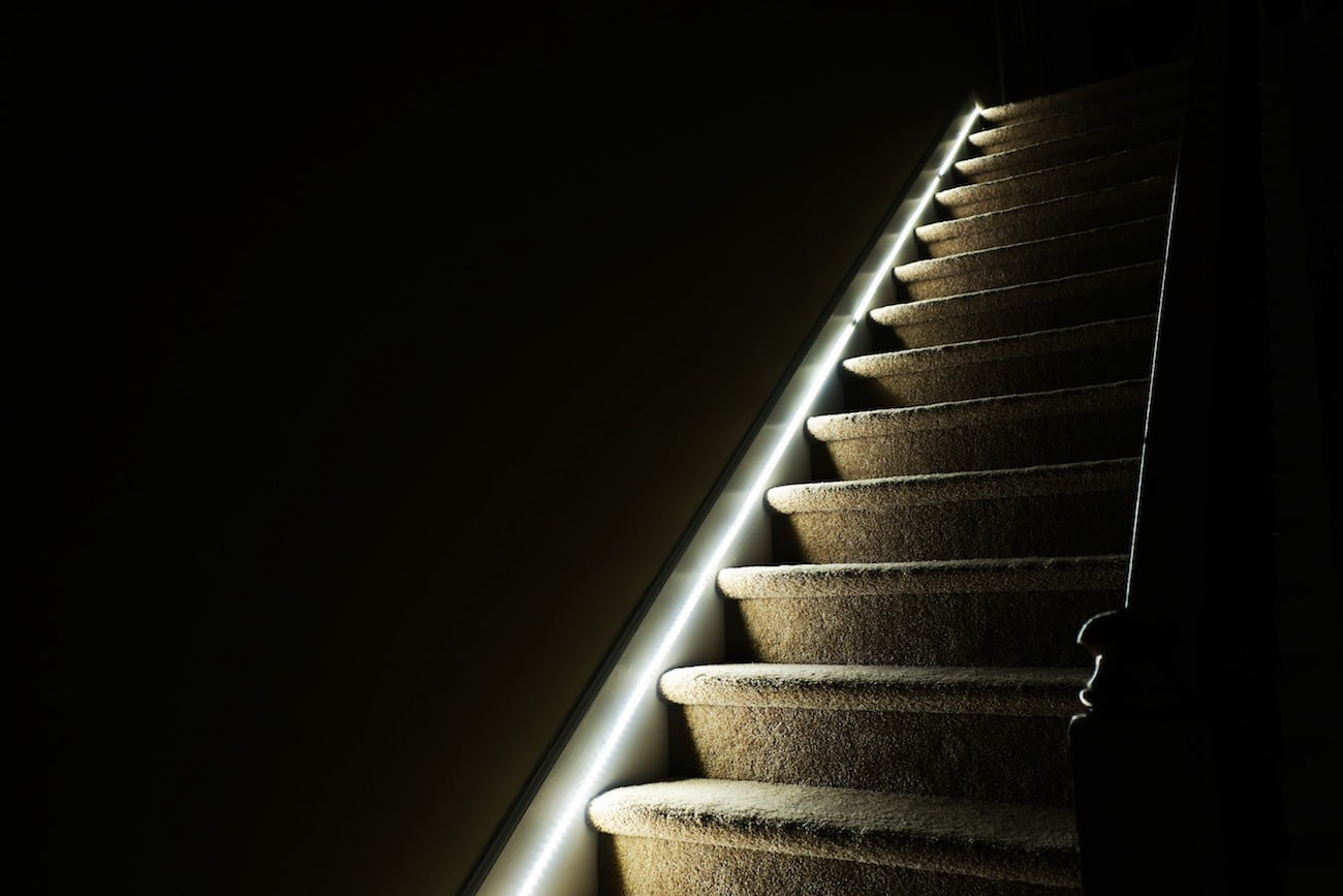 Lighting Basement Washroom Stairs: Slights Motion Stair Lights » Gadget Flow