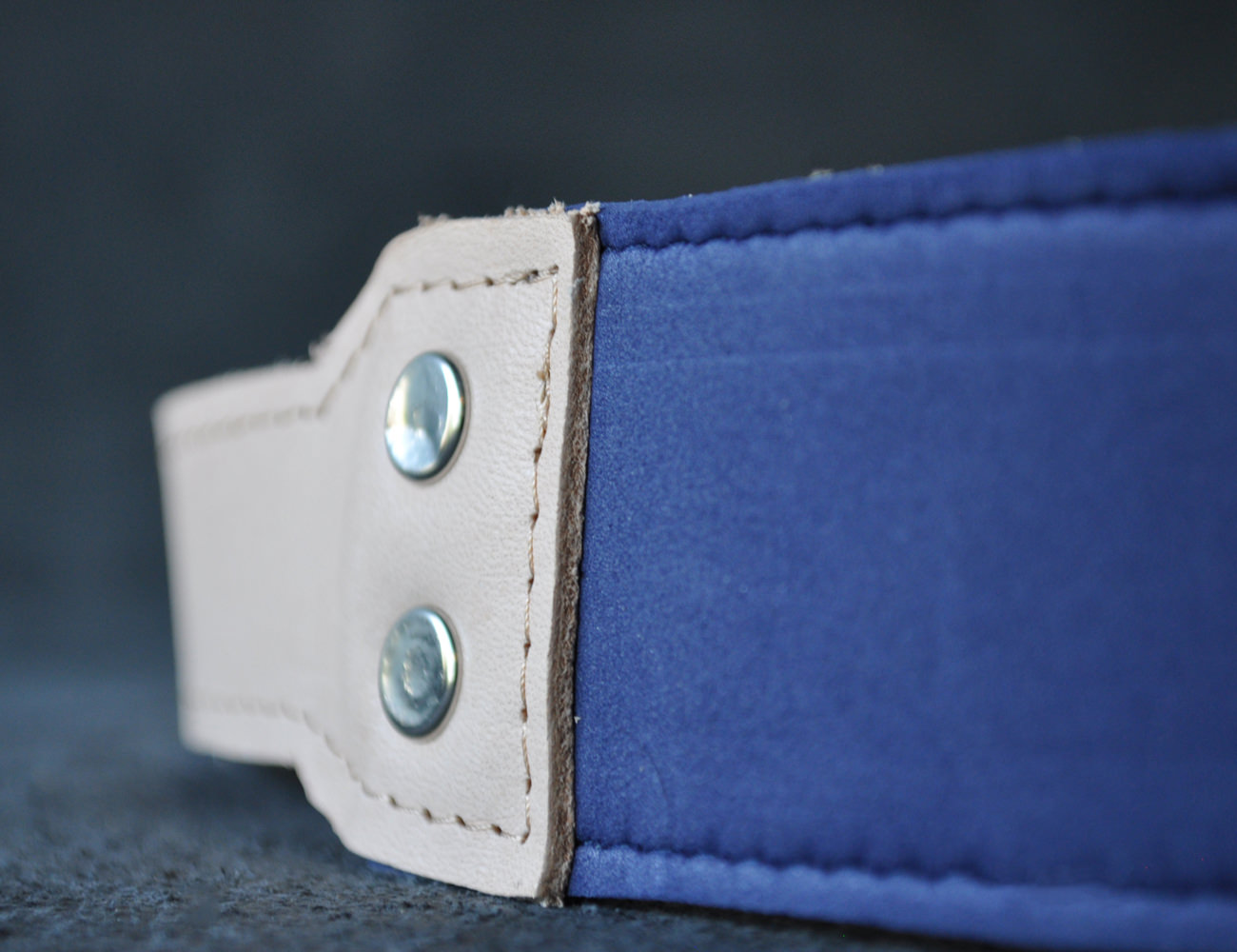 this.hang Minimal Leather Camera Strap