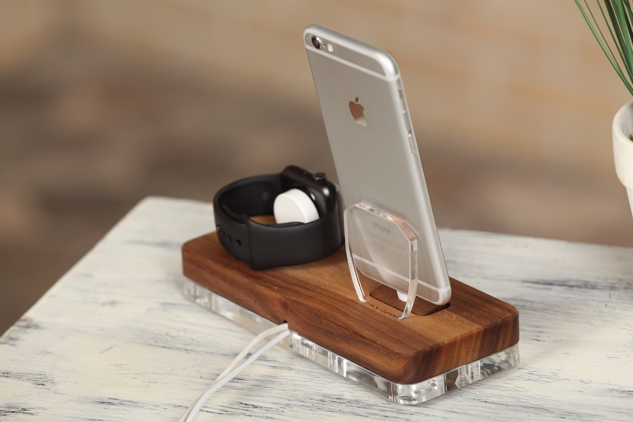 ATIKgroups Wooden Apple Docking Station