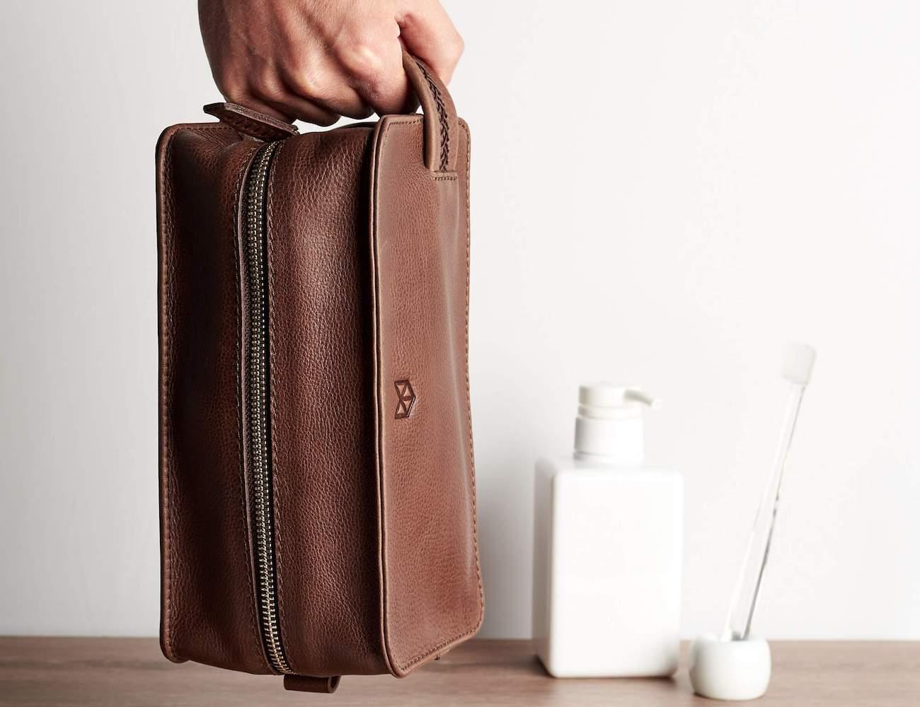 Capra Leather Barber Toiletry Men's Dopp Kit