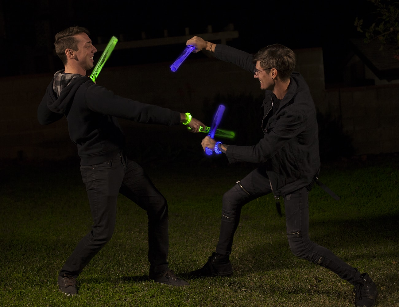 Glow+Battle+Interactive+Light-Up+Sword+Game