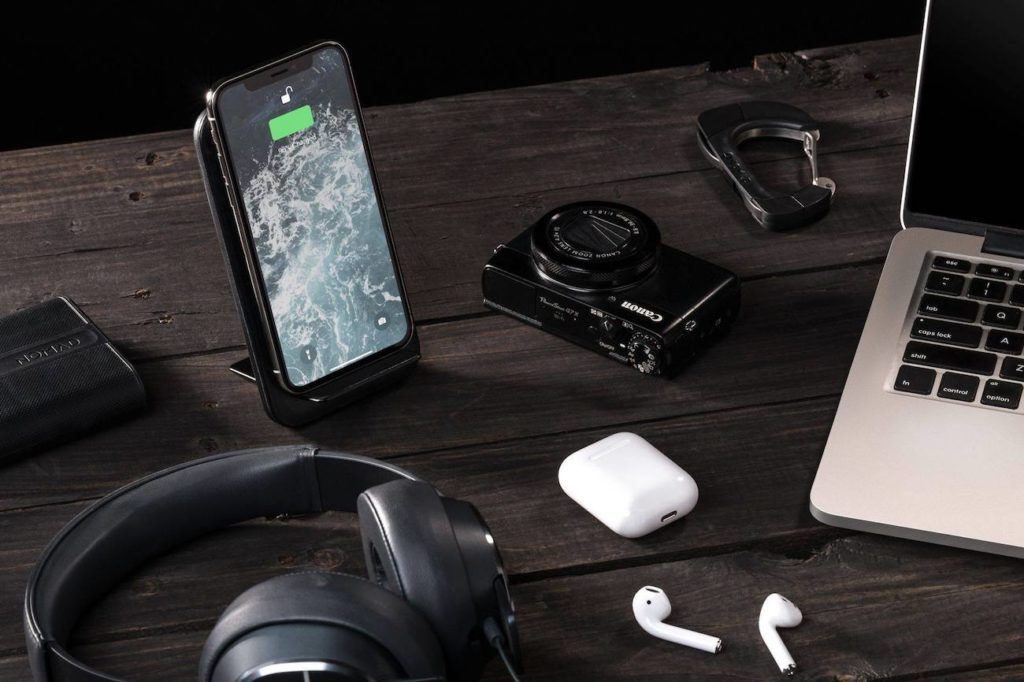 Nomad+Wireless+Travel+Charging+Stand