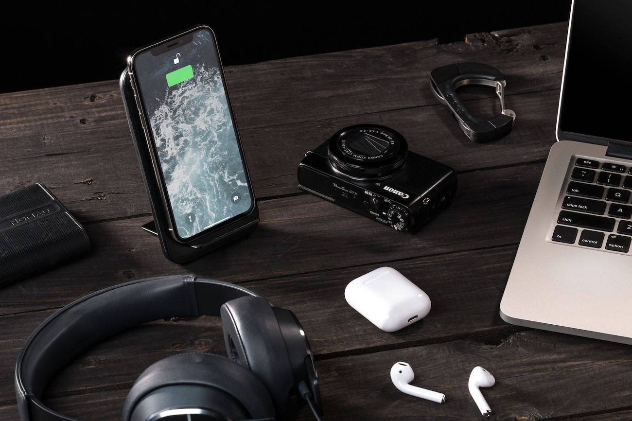 Wireless+Travel+Charging+Stand