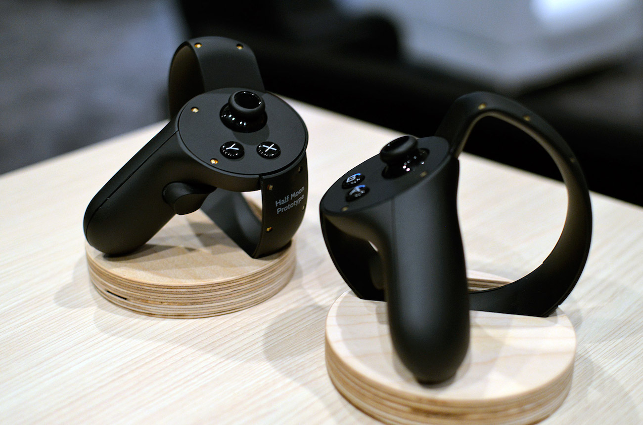 Oculus+Touch+VR+Controllers