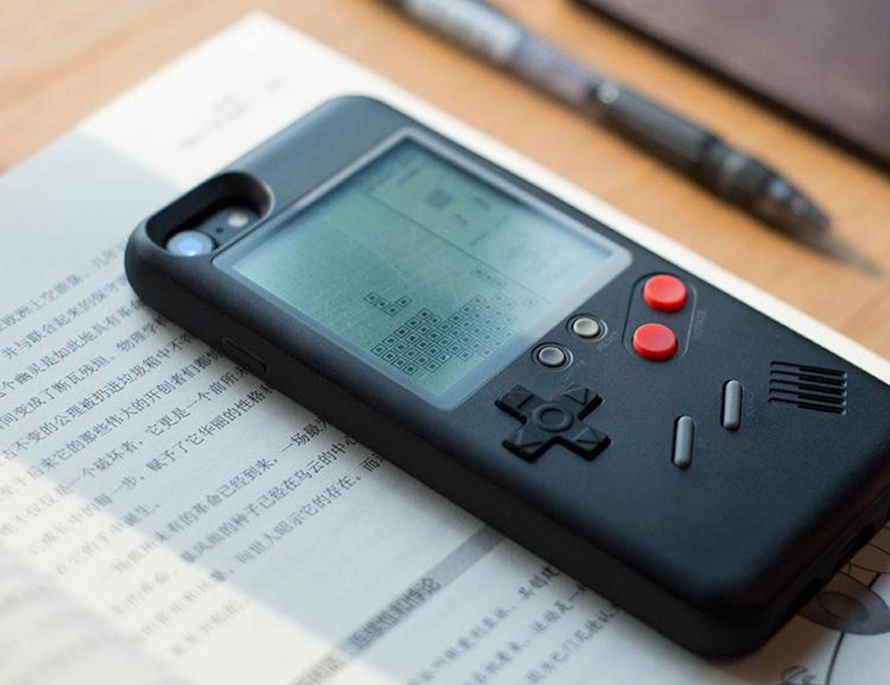 Wanle Retro Gamers Console iPhone Case