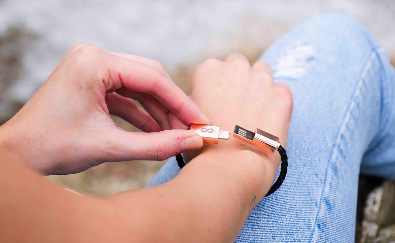 "Wave <em class=""algolia-search-highlight"">Wearable</em> Charging Cable Bracelet"