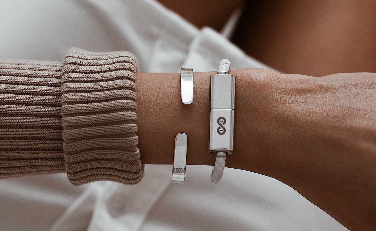 Wave Wearable Charging Cable Bracelet