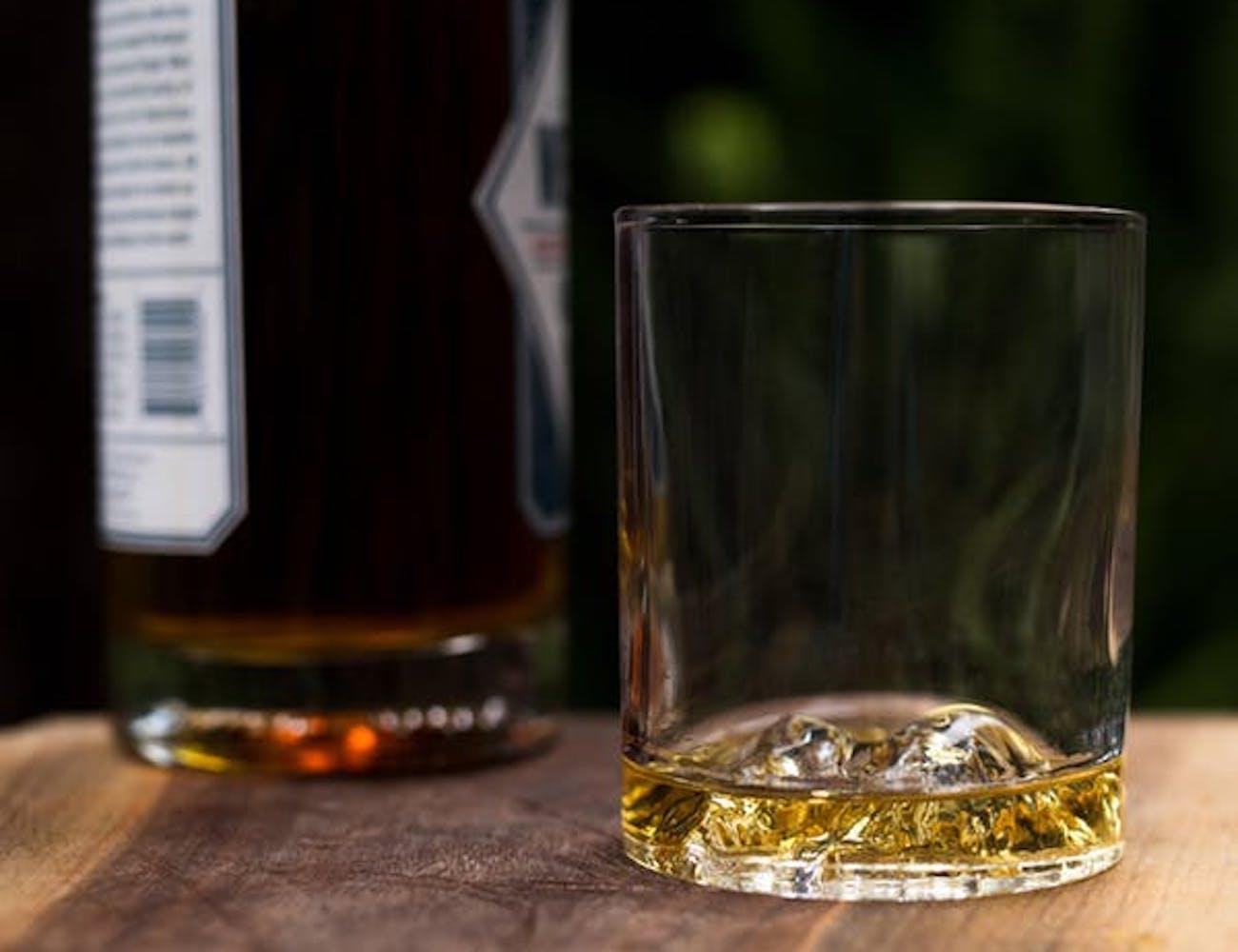 Whiskey Peaks Premium Rock Glasses