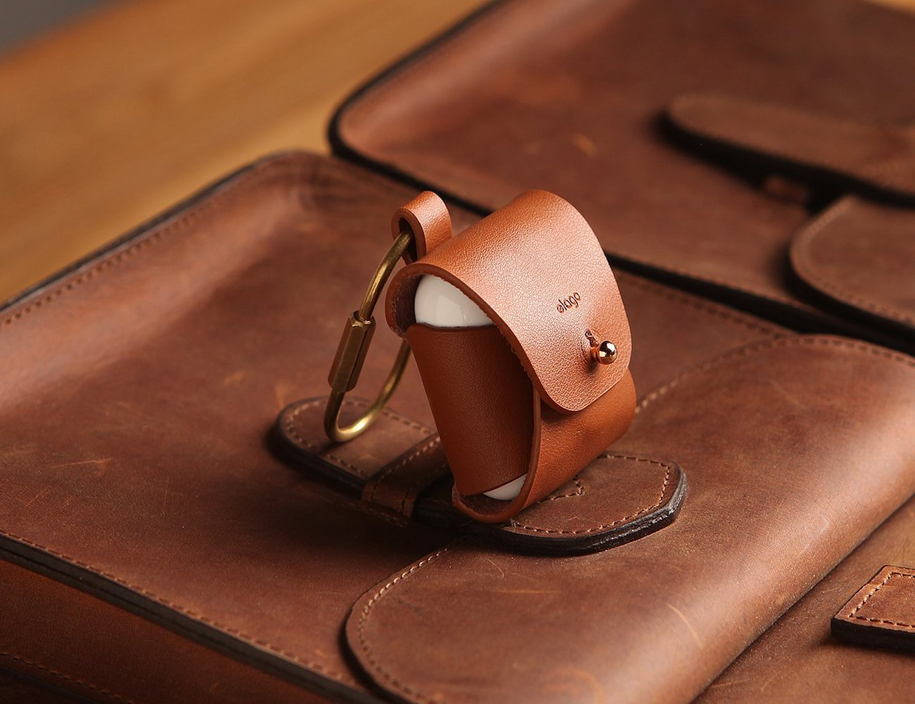 online store c04bc 9ee47 elago AirPods Leather Case
