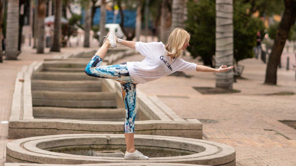 Beauty+and+the+Mess+Wearable+Art+Leggings